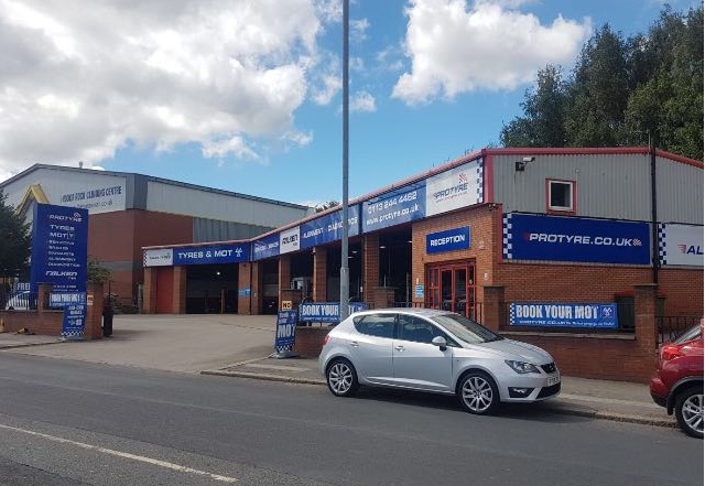 Tyre Garage In Leeds Gelderd Road Mots Amp Servicing